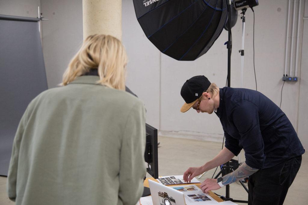 Behind the Scenes: Testimonial Kampagne Shooting mit dem RIEGG Fotostudio und Stefanie Graf