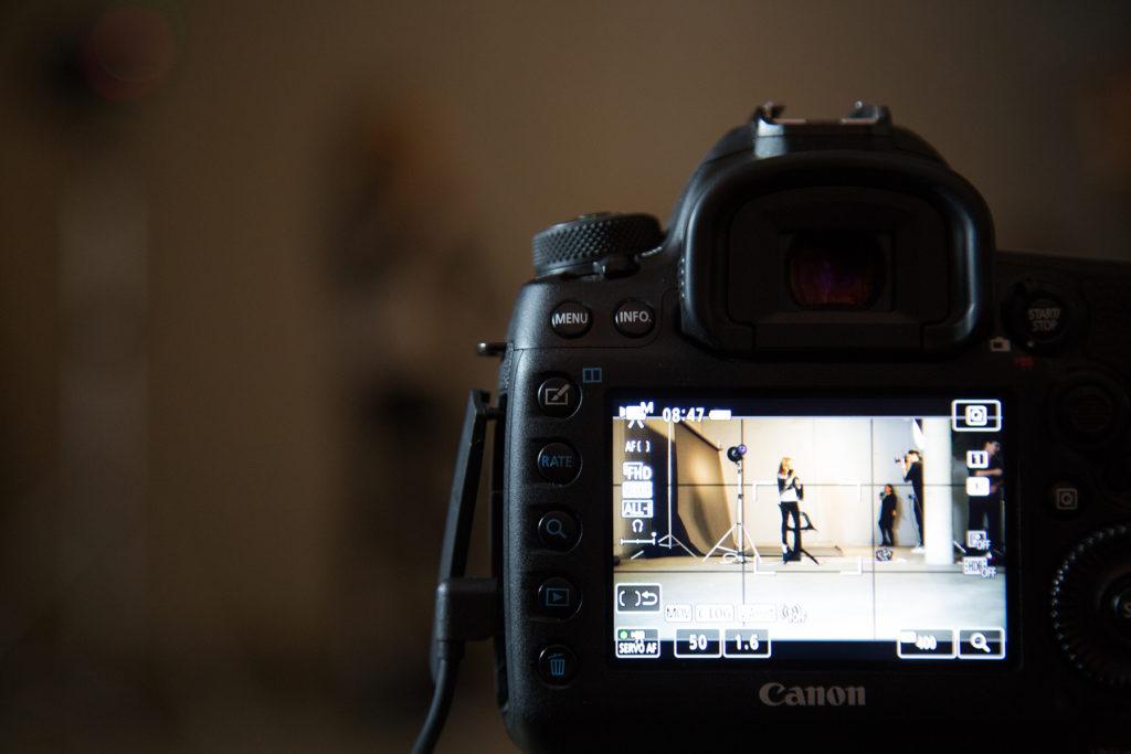 Testimonial-Fotografie mit Stefanie Graf behind the scenes