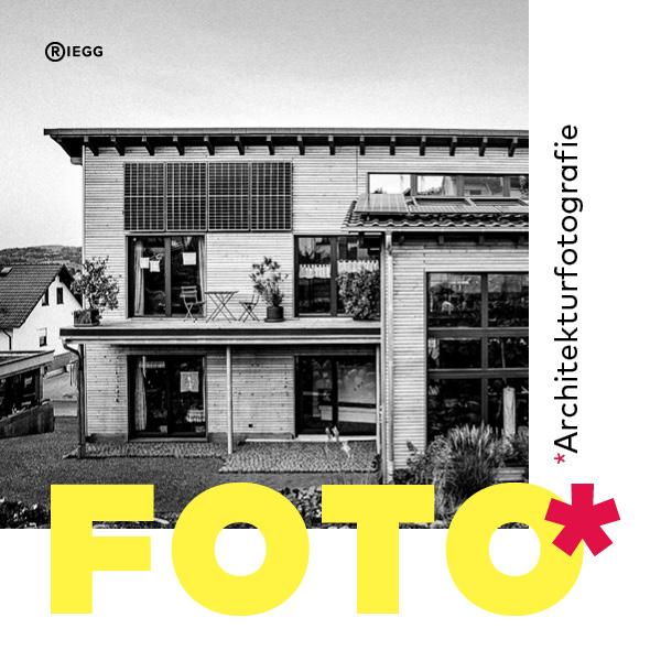 Architekturfotografie Teaserbild zeigt Immobilienfoto in schwarz-weiß und Schriftzug