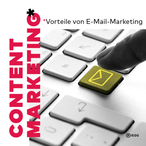 E-Mail-Marketing – Ein Finger tippt auf eine Taste mit E-Mail-Symbol